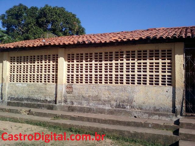 Escola de Centro dos Teles em Bacabal continua sem reforma