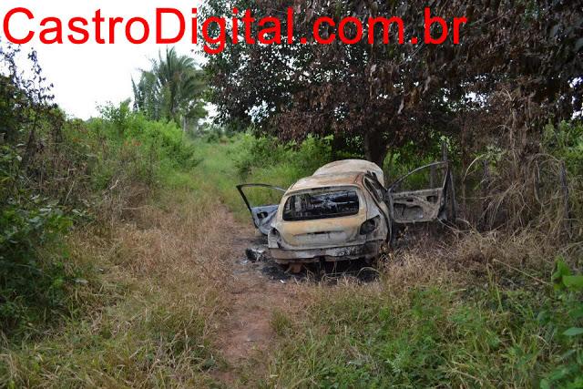 Fotos do veículo queimado usado no assalto ao Bradesco de Bom Lugar