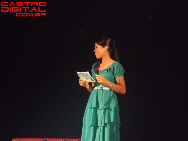 Apresentadora do show de Leonardo Gonçalves em Pedreiras - MA