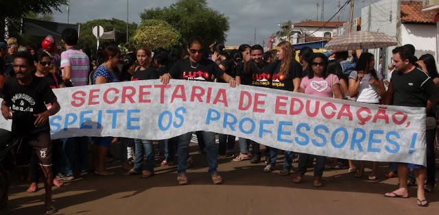 Professores de São Mateus do MA fazem greve de advertência