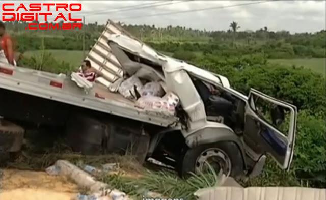 Acidente com caminhão na BR 316 em Bacabal faz 2 vítimas fatais – Veja as fotos