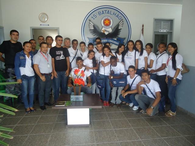 Alunos do SENAI de Bacabal visitam quartel da Polícia Militar