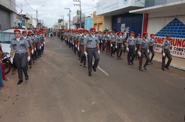 Polícia militar de Bacabal participa do desfile de 7 de setembro de 2013