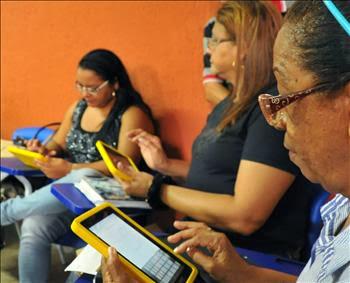 Professores do Maranhão começam a receber tablets educacionais