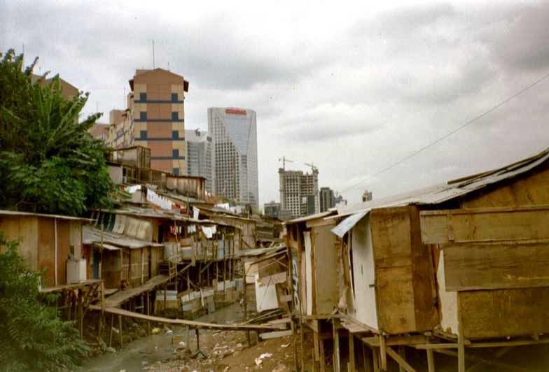O brasileiro e a sina de ser craque em driblar as mazelas sociais – Por Cristiane Lopes
