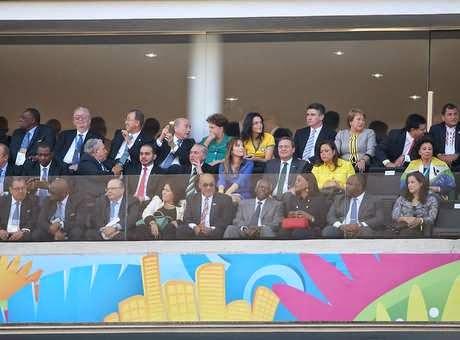 Vídeo: torcida manda Dilma e FIFA tomar no c# na abertura da Copa do Mundo 2014