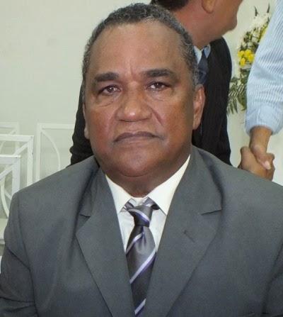 Prefeito Zé Alberto quer gastar R$ 1,5 milhões em seu gabinete em 2015