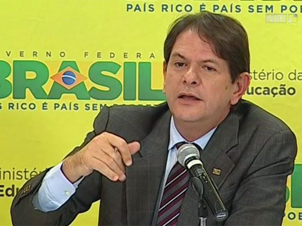 ENEM via internet é a ideia do ministro da educação, Cid Gomes