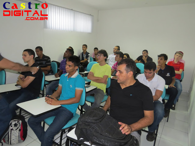 Fotos da visita de acadêmicos da FEBAC às empresas Inforgeneses e 128Bits em Teresina – PI