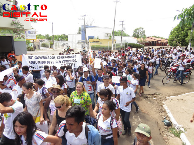 Fotos e vídeo do Ato de Resistência em Bacabal contra as reformas do Governo Temer