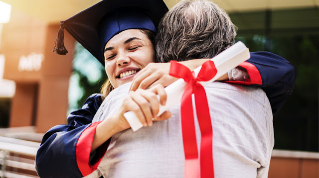 Site oferece mais de 110 mil bolsas para pós-graduação em 2018