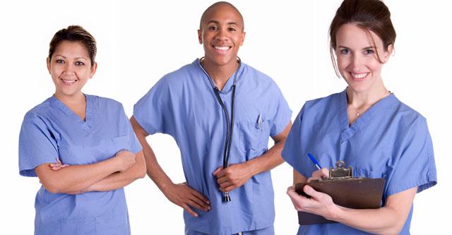 Qual a diferença entre enfermeiro, técnico e auxiliar de enfermagem?
