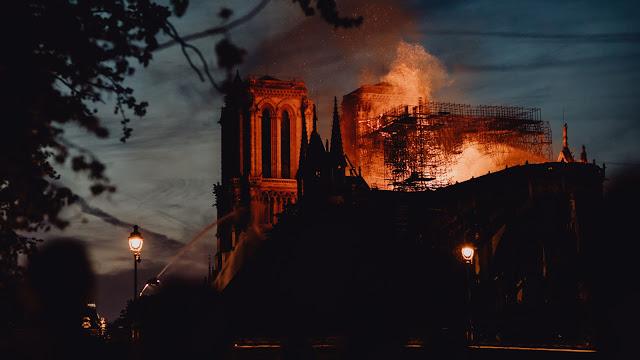 Incêndio na Catedral de Notre-Dame pode cair no ENEM e outros vestibulares